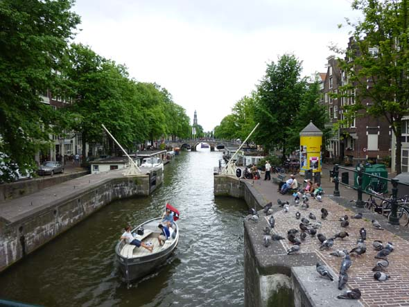Cruising the Canals