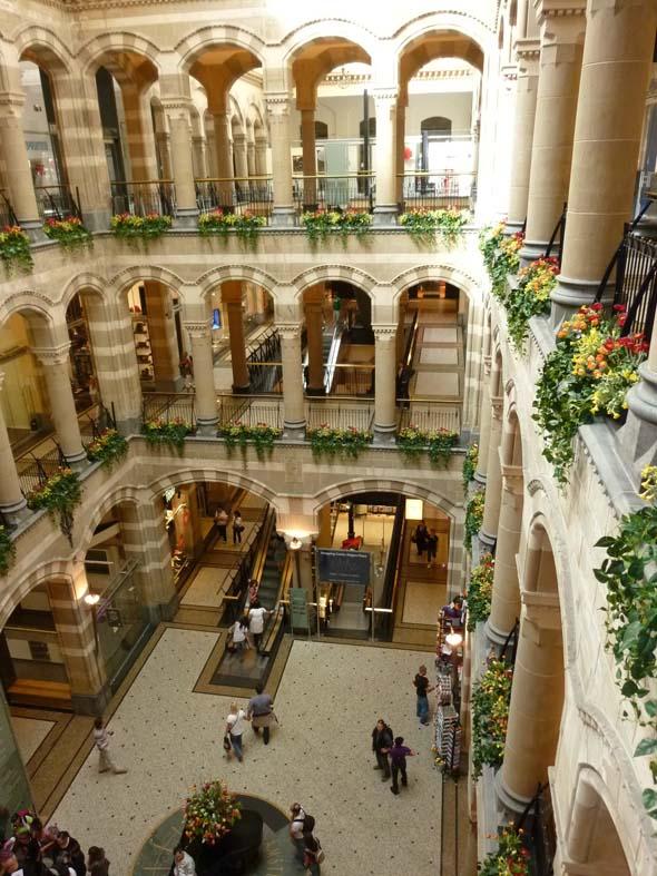 Amsterdam Shopping Mall