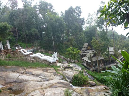 doi-suthep-hike-Wat-Pha-Lad-03