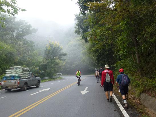 walk-the-road-doi-suthep